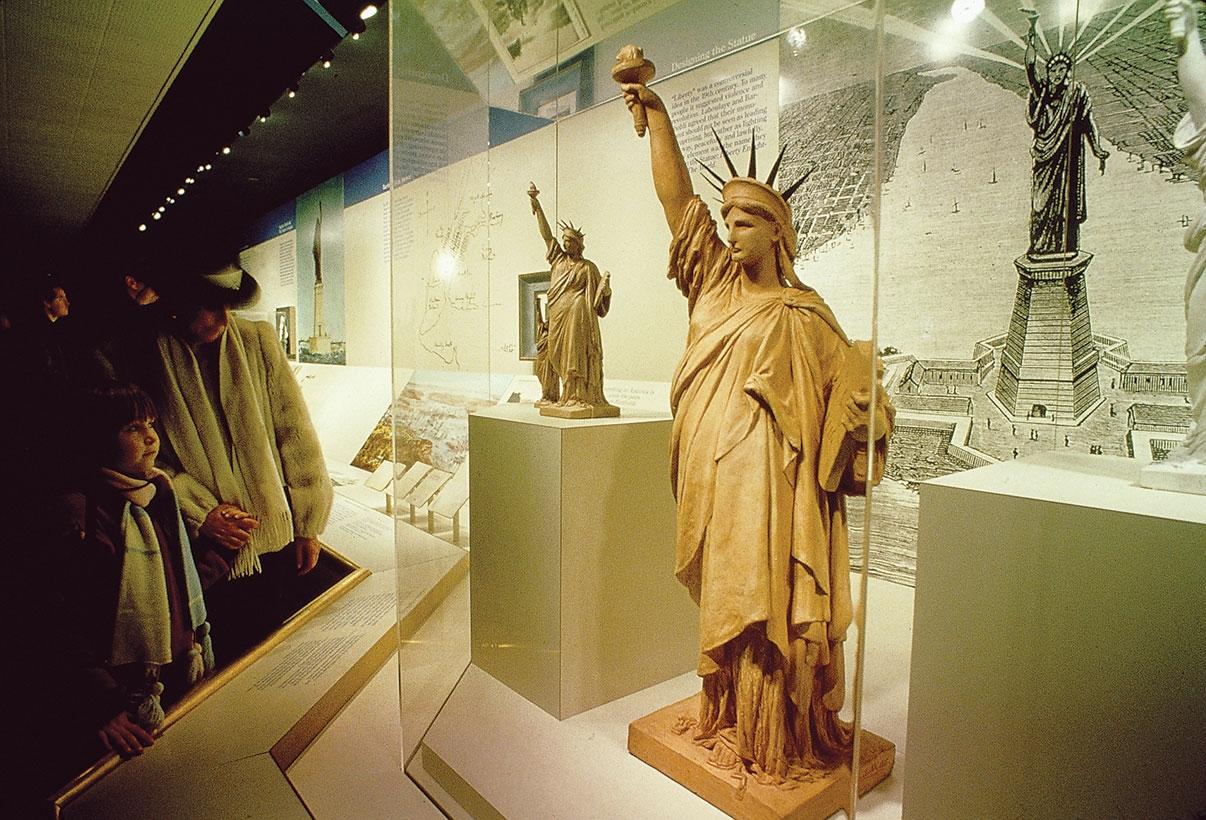 фотография Статуи Свободы в Музее искусств и ремесел