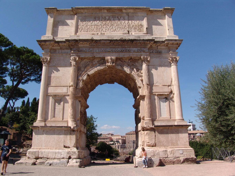 арка императора Тита в Риме