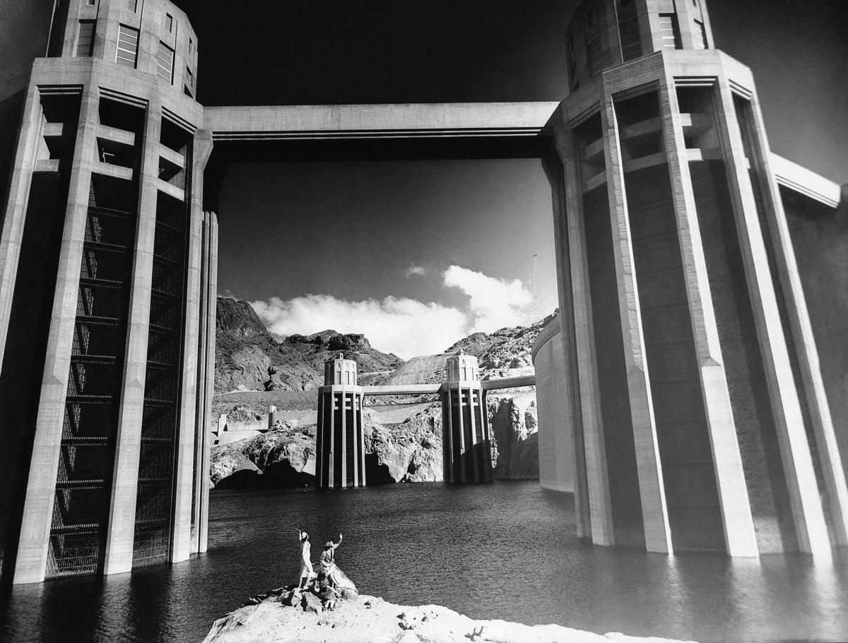 фото башен плотины Гувера