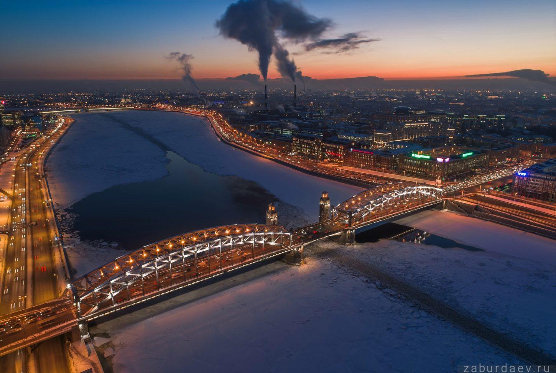 вид сверху на Большеохтинский мост фото