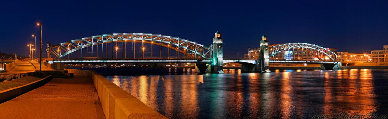 фотография вида сбоку на Большеохтинский мост