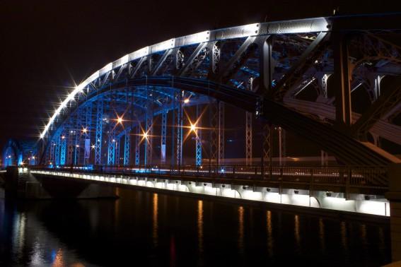 фото подсветки Большеохтинского моста