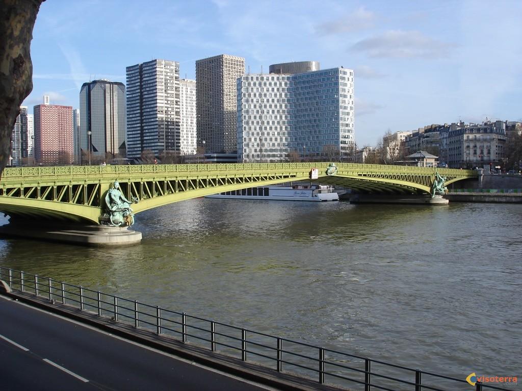 фотография Сены под мостом Мирабо