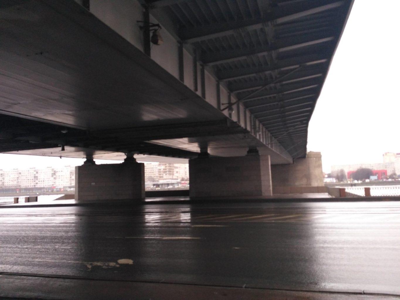 фото движения под Володарским мостом