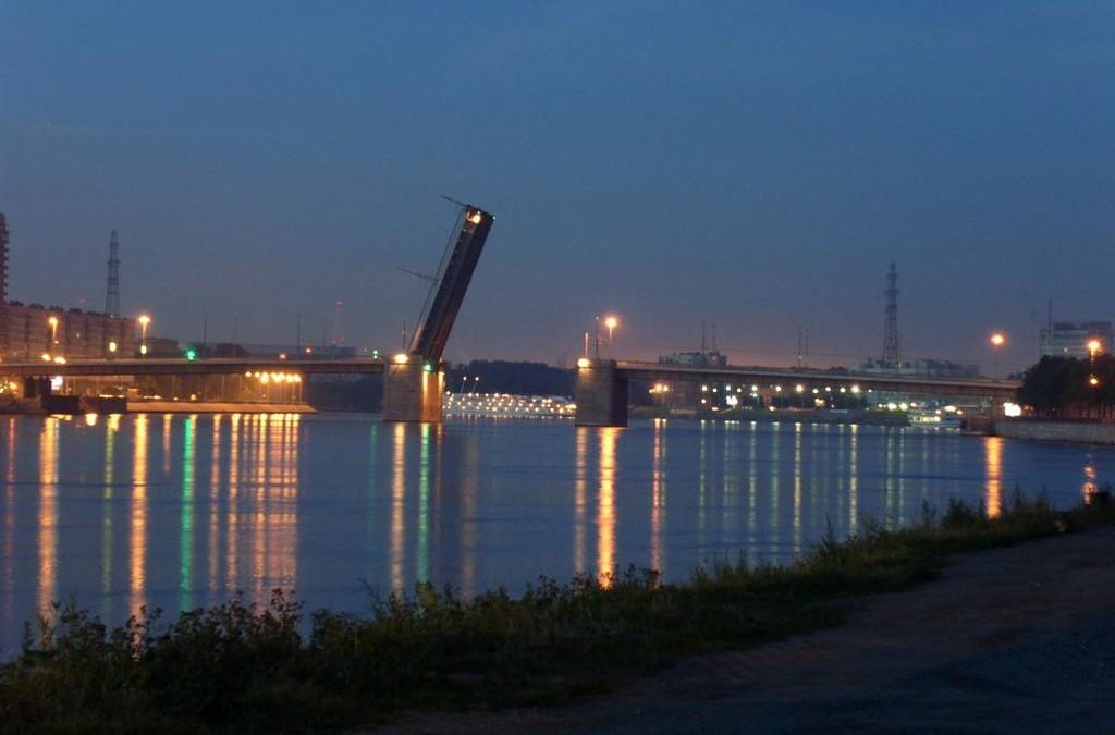 фото Володарского моста ночью