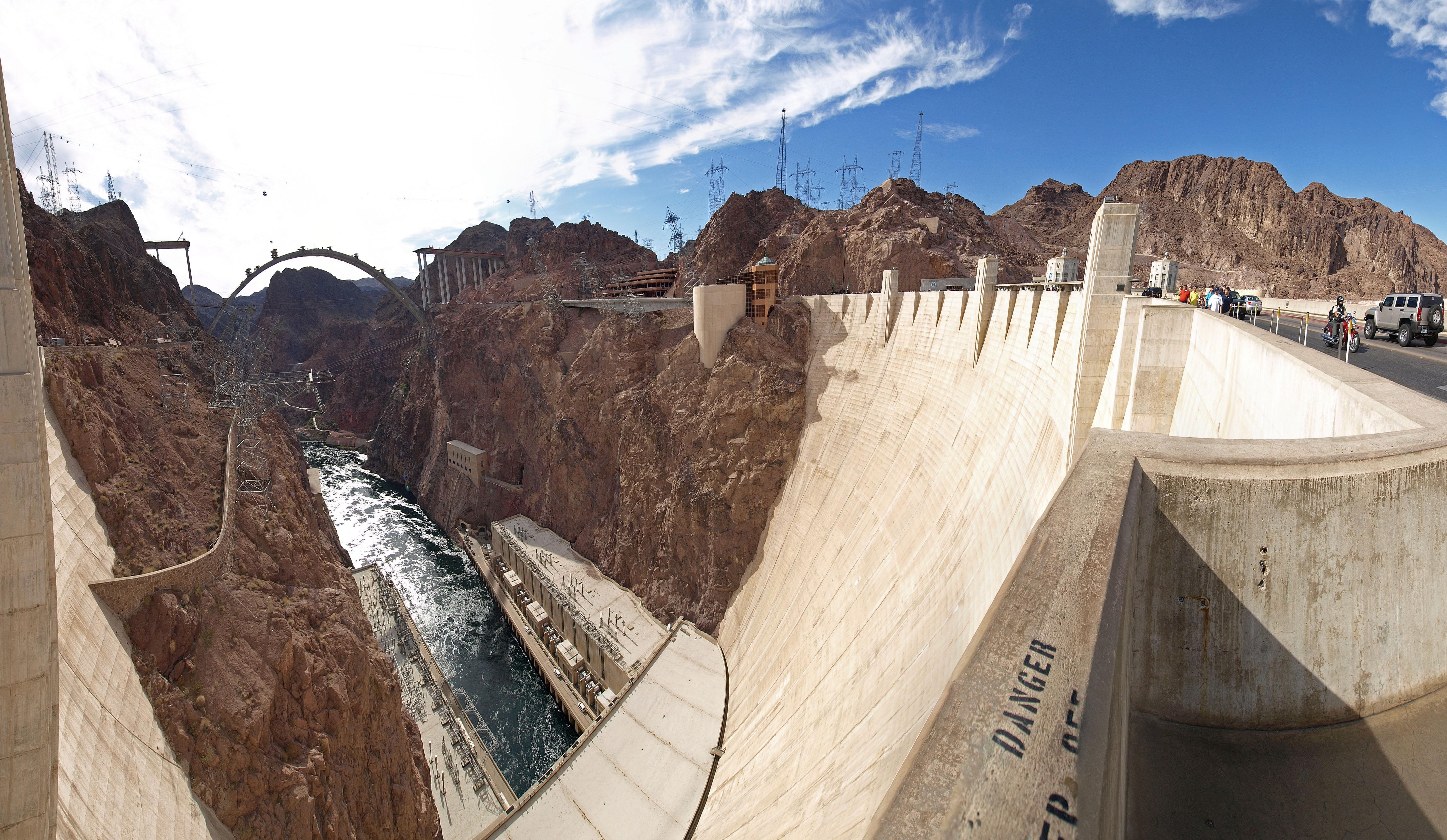 фото заграждающей части плотины Гувера