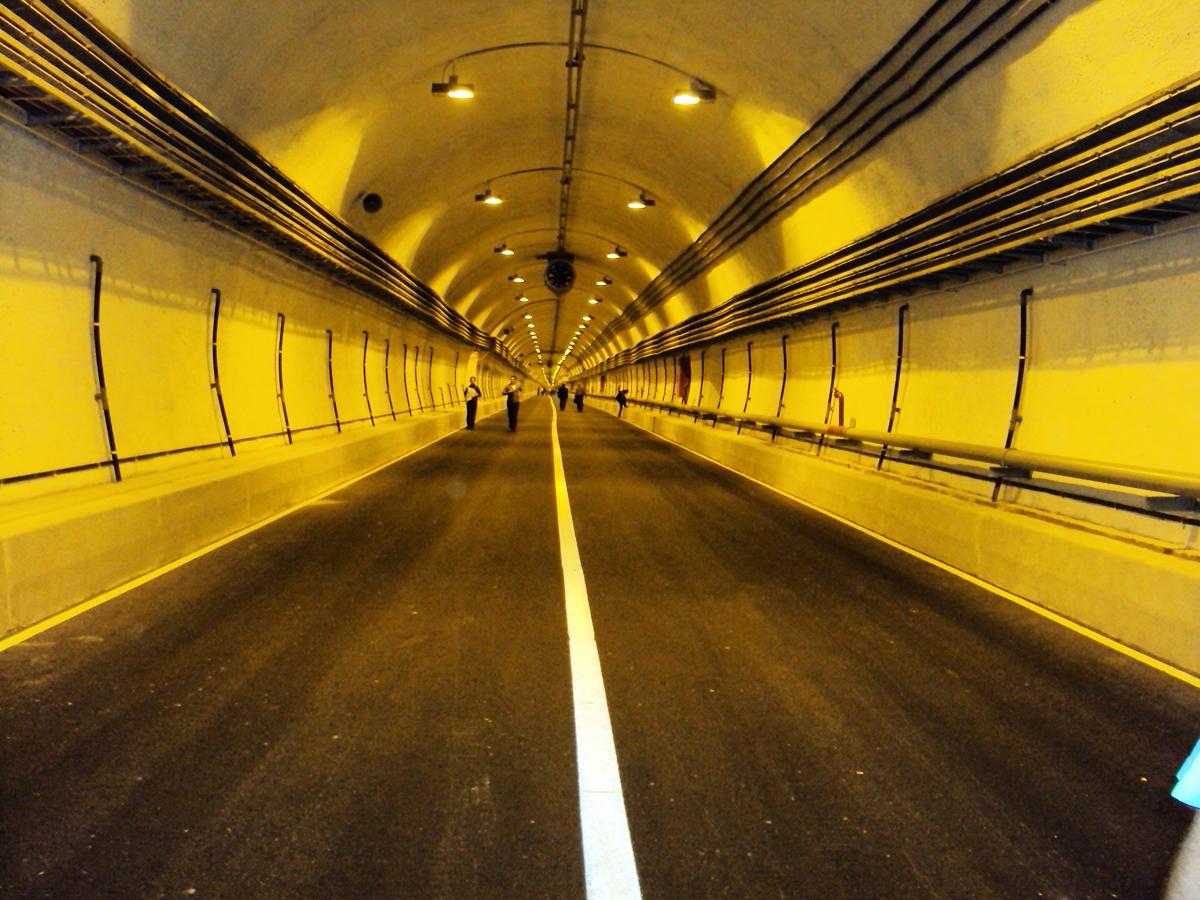 фотография Гимринского тоннеля внутри