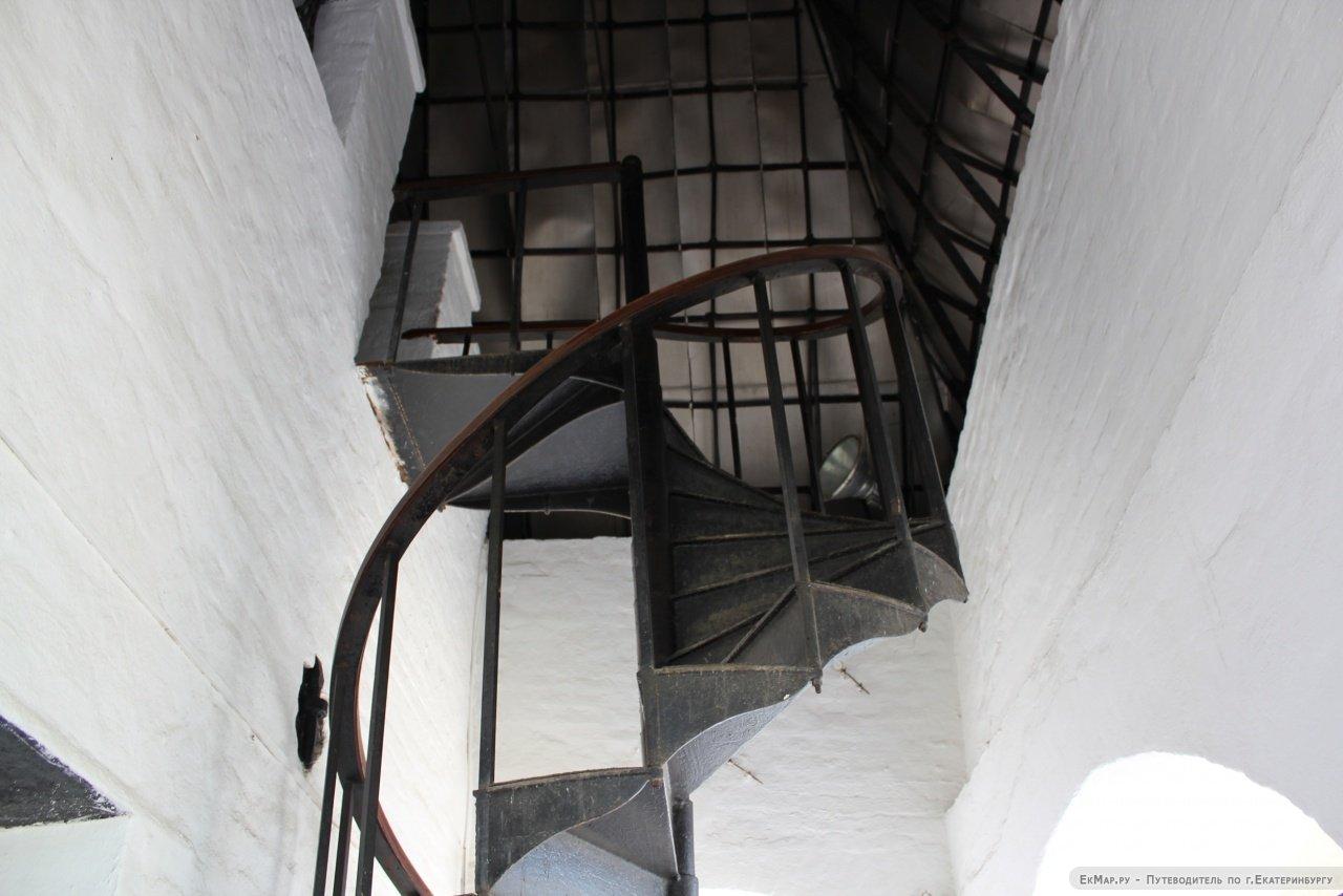 Невьянская башня вид изнутри фото
