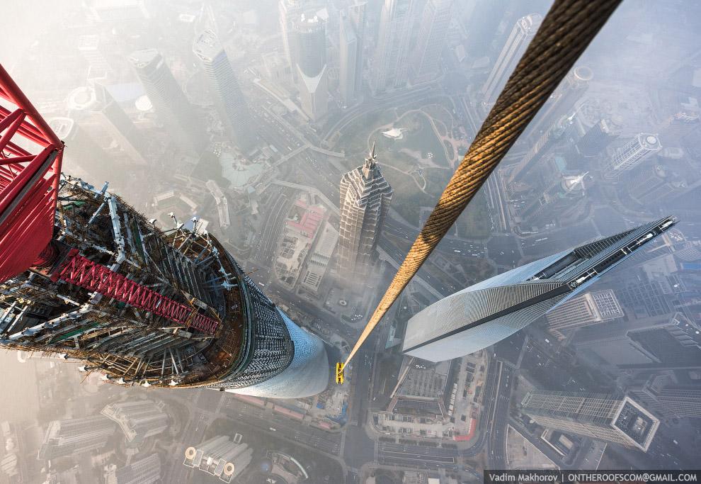 Шанхайская башня вид сверху фотография