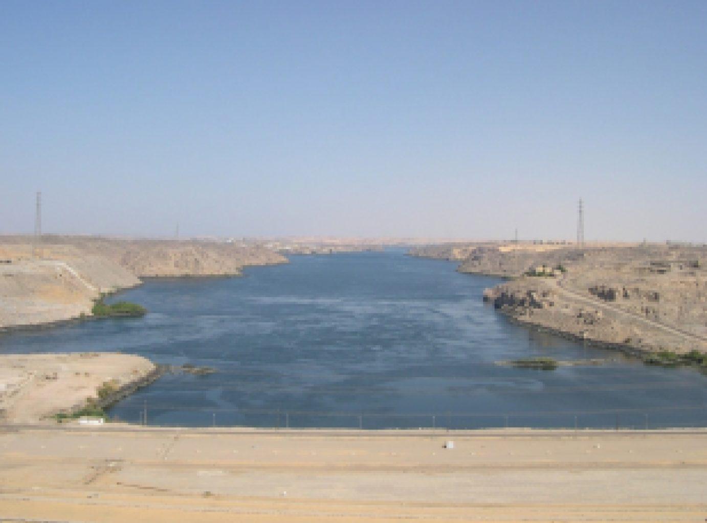 фото вида с Асуанской плотины на Нил