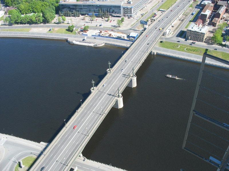 фото вида на Кантемировский мост в СПб