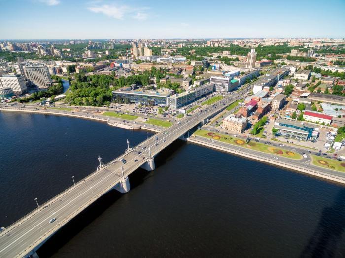 фотография дорожного полотна Кантемировского моста
