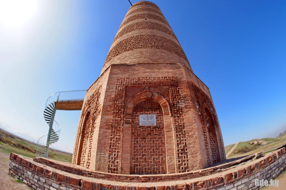фото основания кыргызстанской башни Бурана