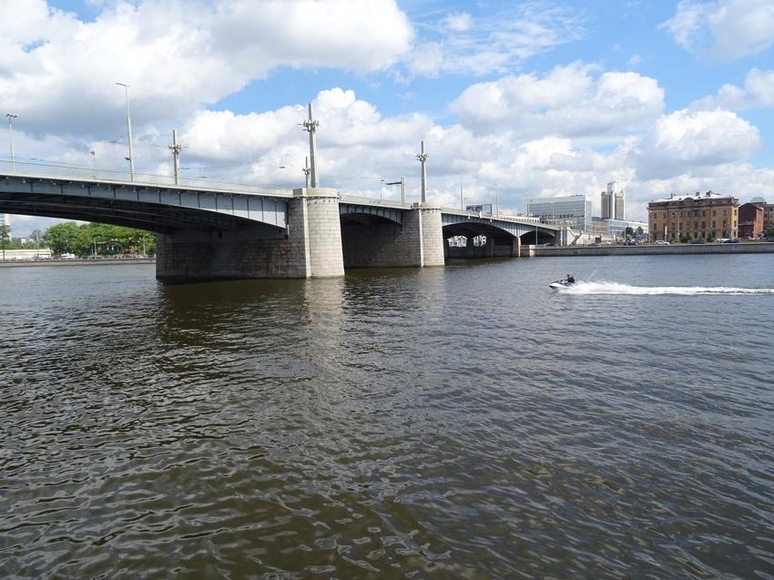 под Кантемировским мостом фотография