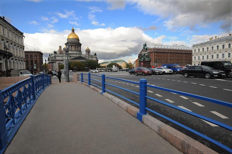 дорога на Синем мосту в Санкт-Петербурге фотография