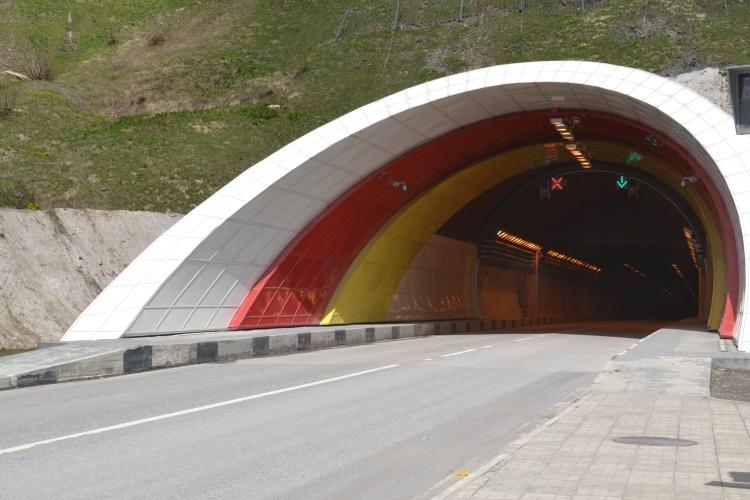 фото вида на рокский туннель