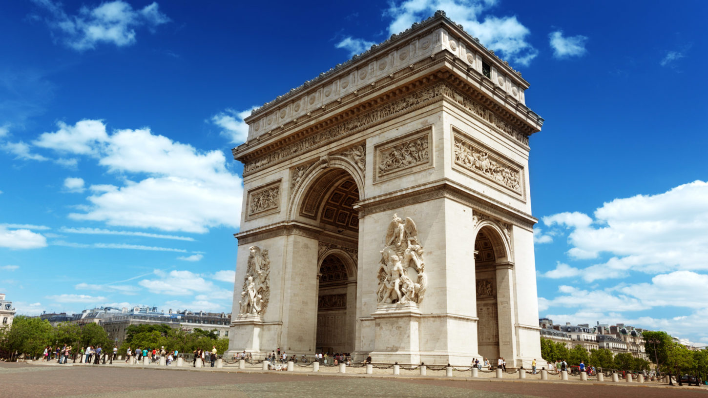 фотография Триумфальной арки в Париже Франция
