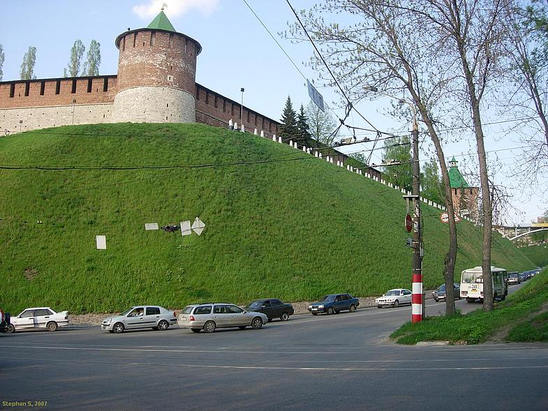 Коромыслова башня вид снизу фотография