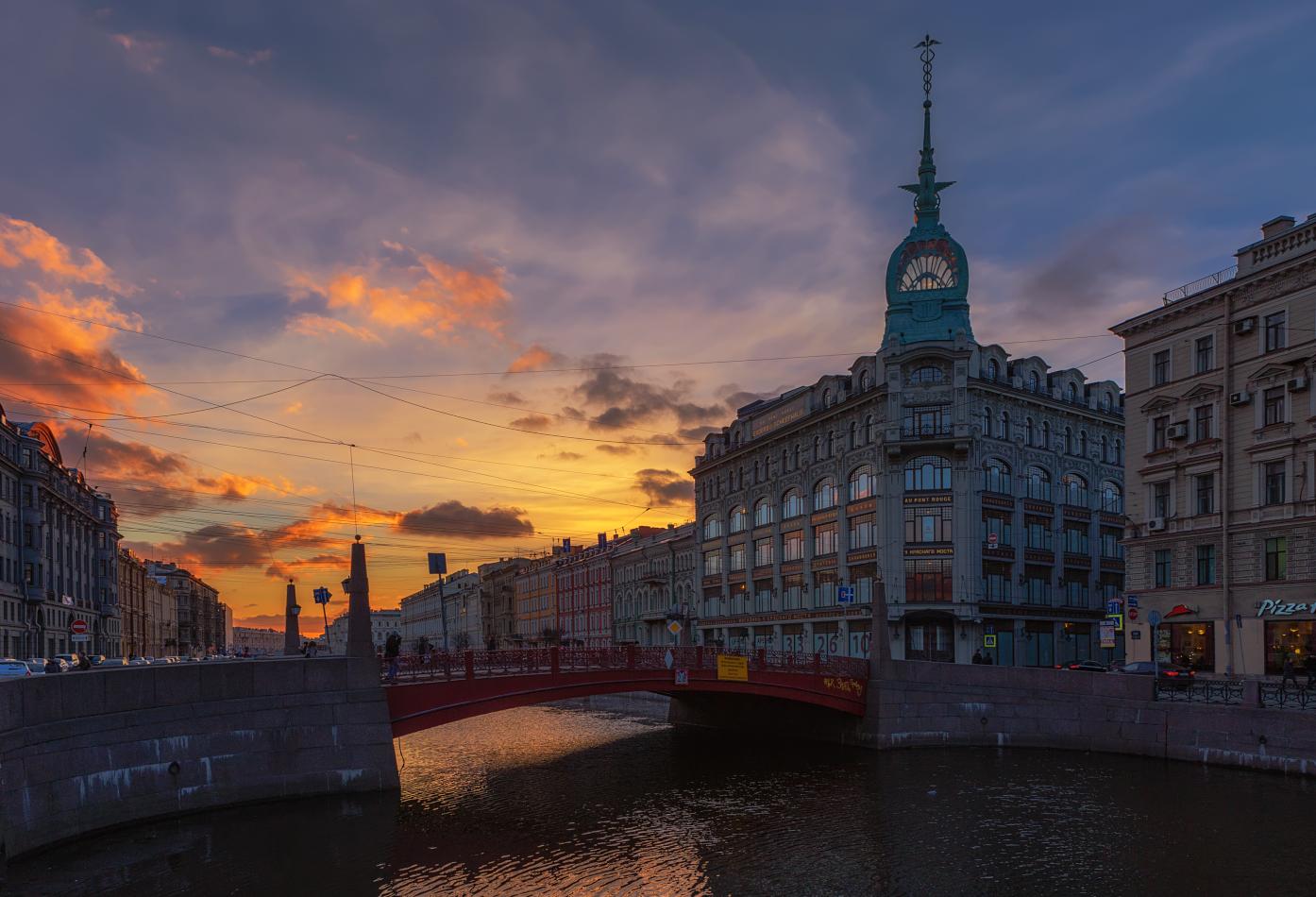 вечерний вид на петербургский Красный мост фото