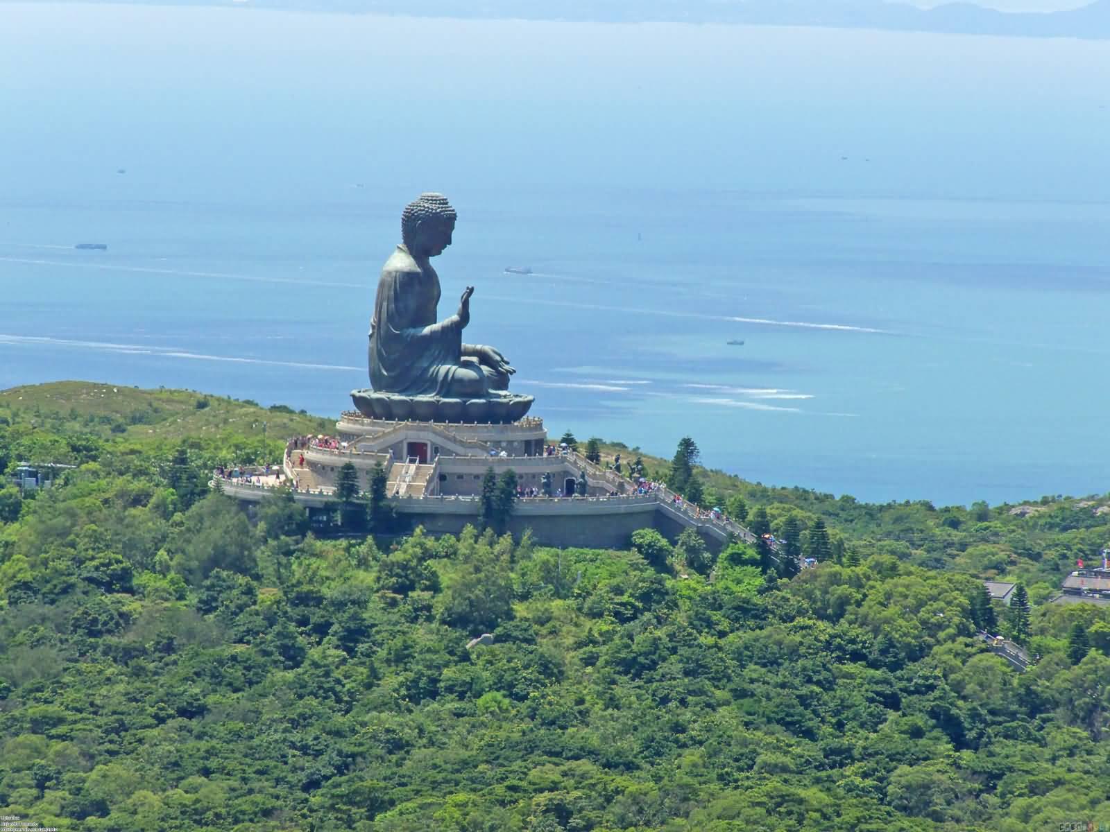 вид на статую Будды на острове Лантау фотография