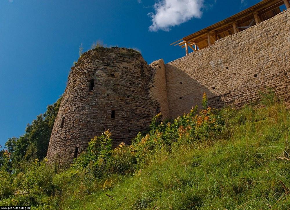 фото башни Колокольная в Изборске