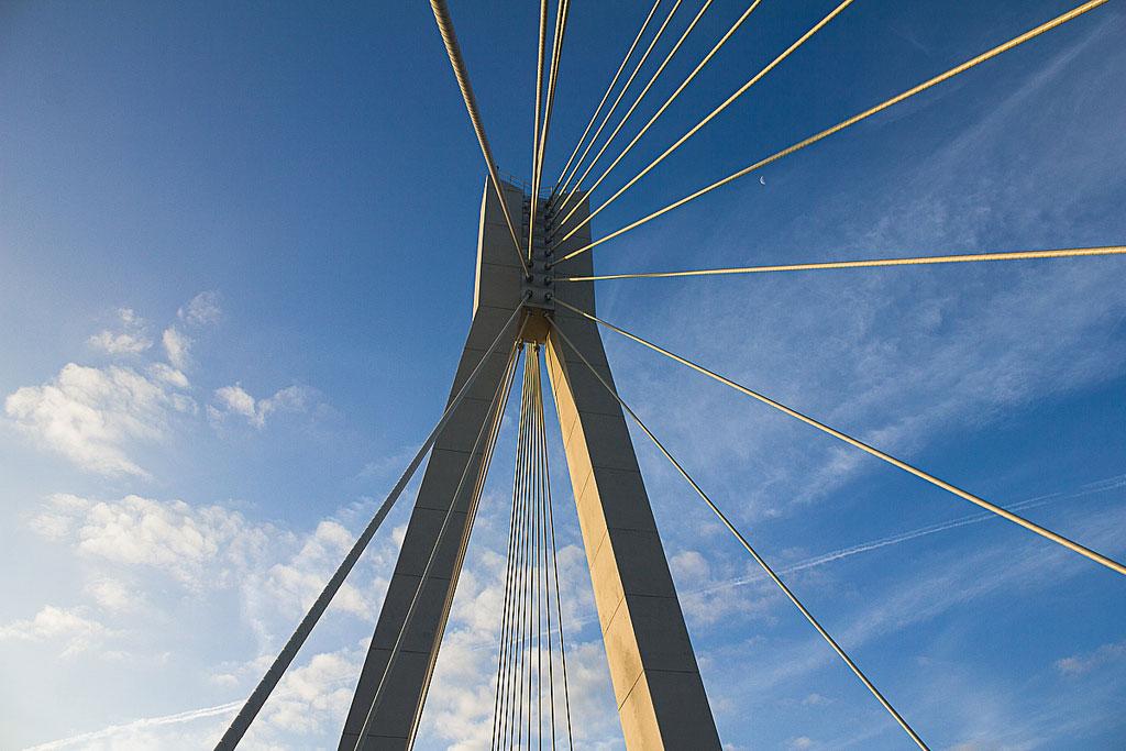 пилон Муромского моста фотография
