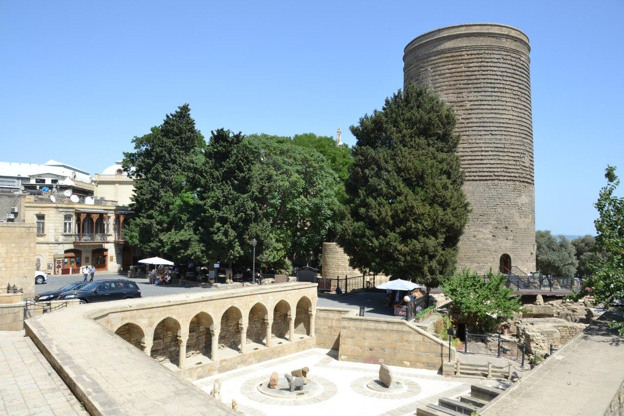 бакинская Девичья башня фотография
