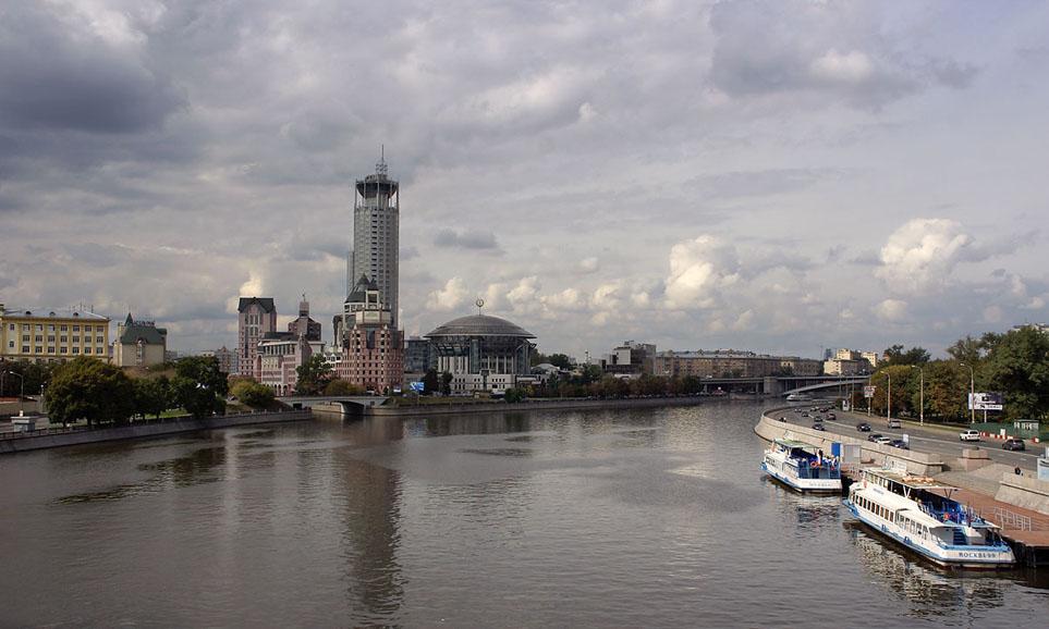 фото вида на московский Новоспасский мост