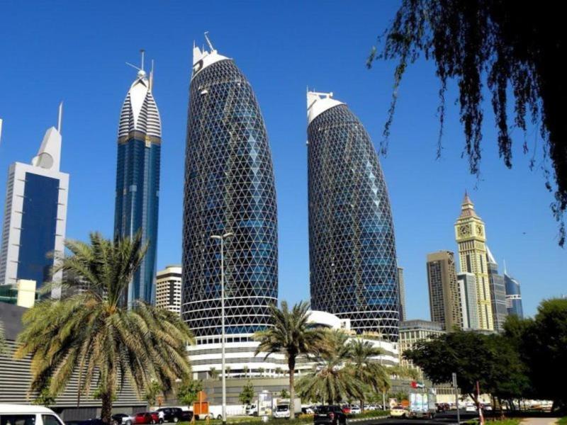 фото вида на Башню Розы в Дубае