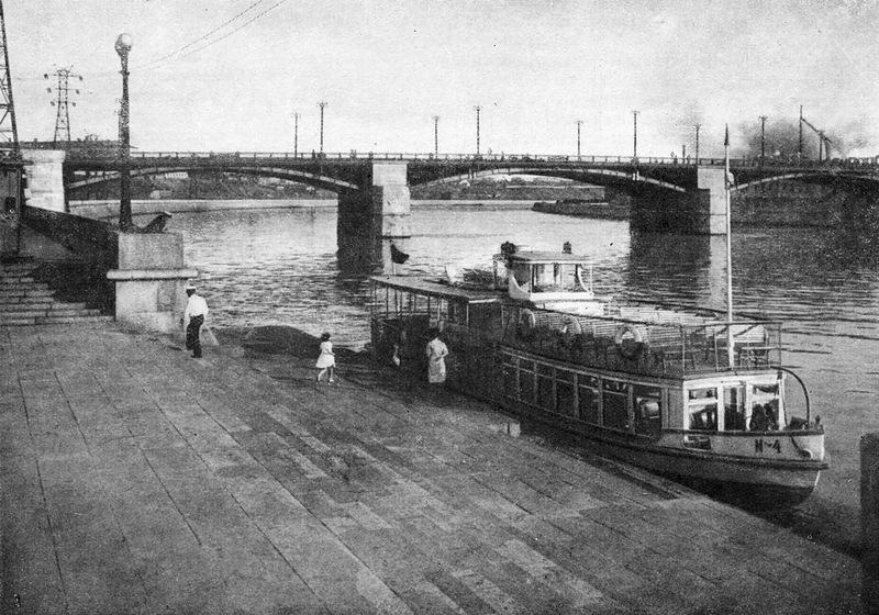 фото на Новоспасском мосту
