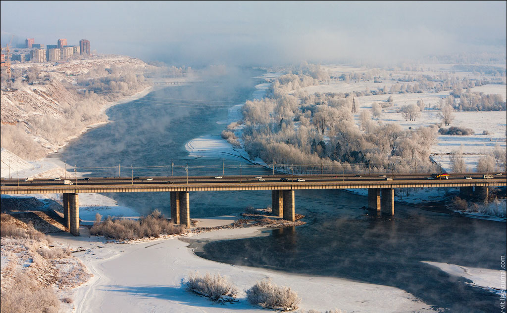 Октябрьский мост Красноярска зимой фото