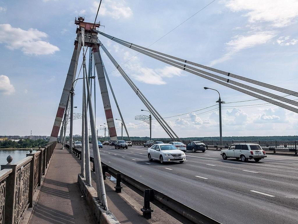 на Октябрьском мосту в Череповце фотография