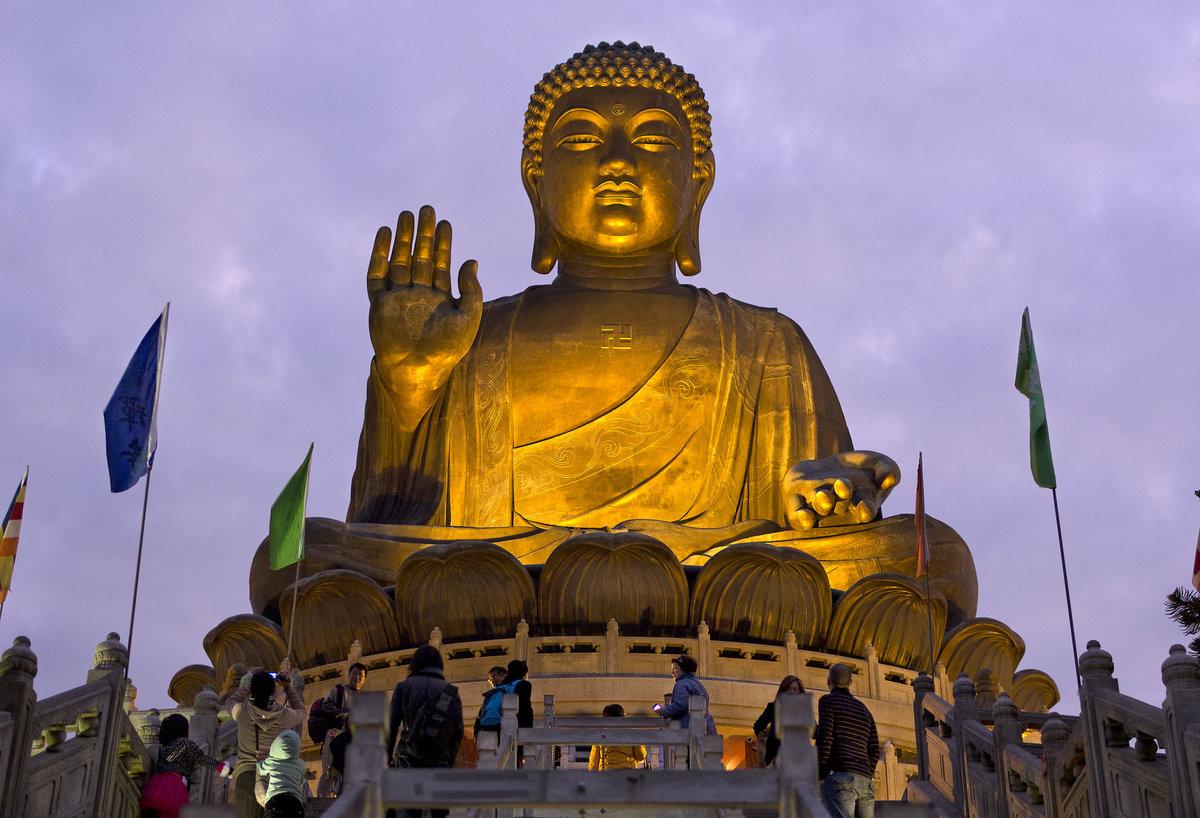 Фото Большого Будды в Гонконге