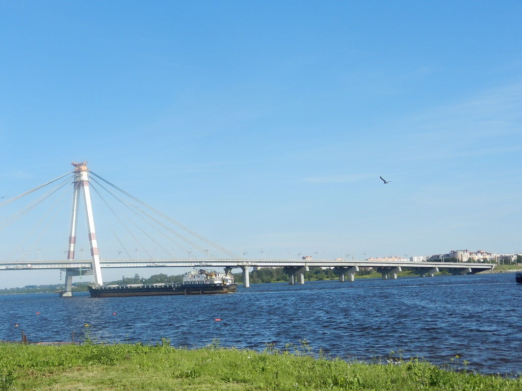 фото вида на Череповецкий Октябрьский мост