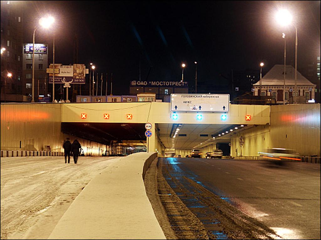 фото вида на Лефортовский тоннель ночью
