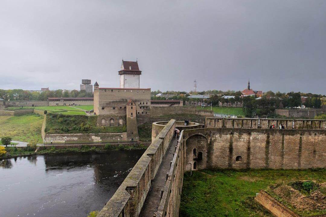 фотография Плоской башни в Ивангородской крепости