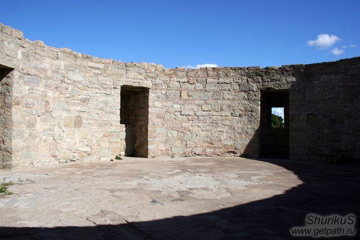 фото внутри Северной башни Копорской крепости