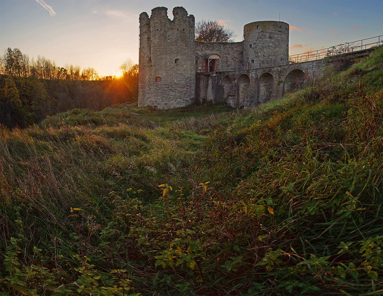 фото крепости Копорье в Ленинградской области