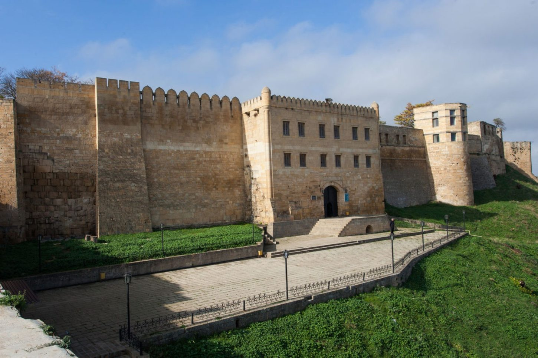ворота в крепости Нарын-Кала в Дербенте фото