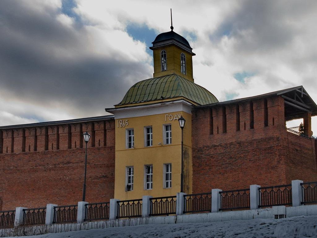 фото Пятницкой башни Смоленской крепости
