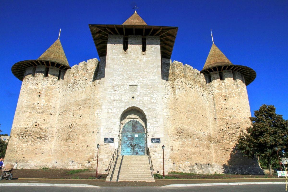 башни Сорокской крепости фотография