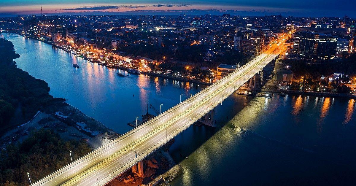 на Ворошиловском мосту в Ростове-на-Дону фото