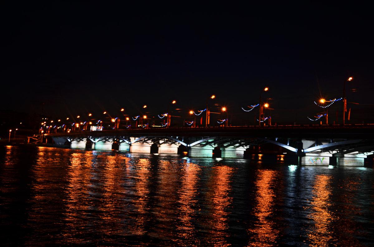фотография Чернавского моста ночью
