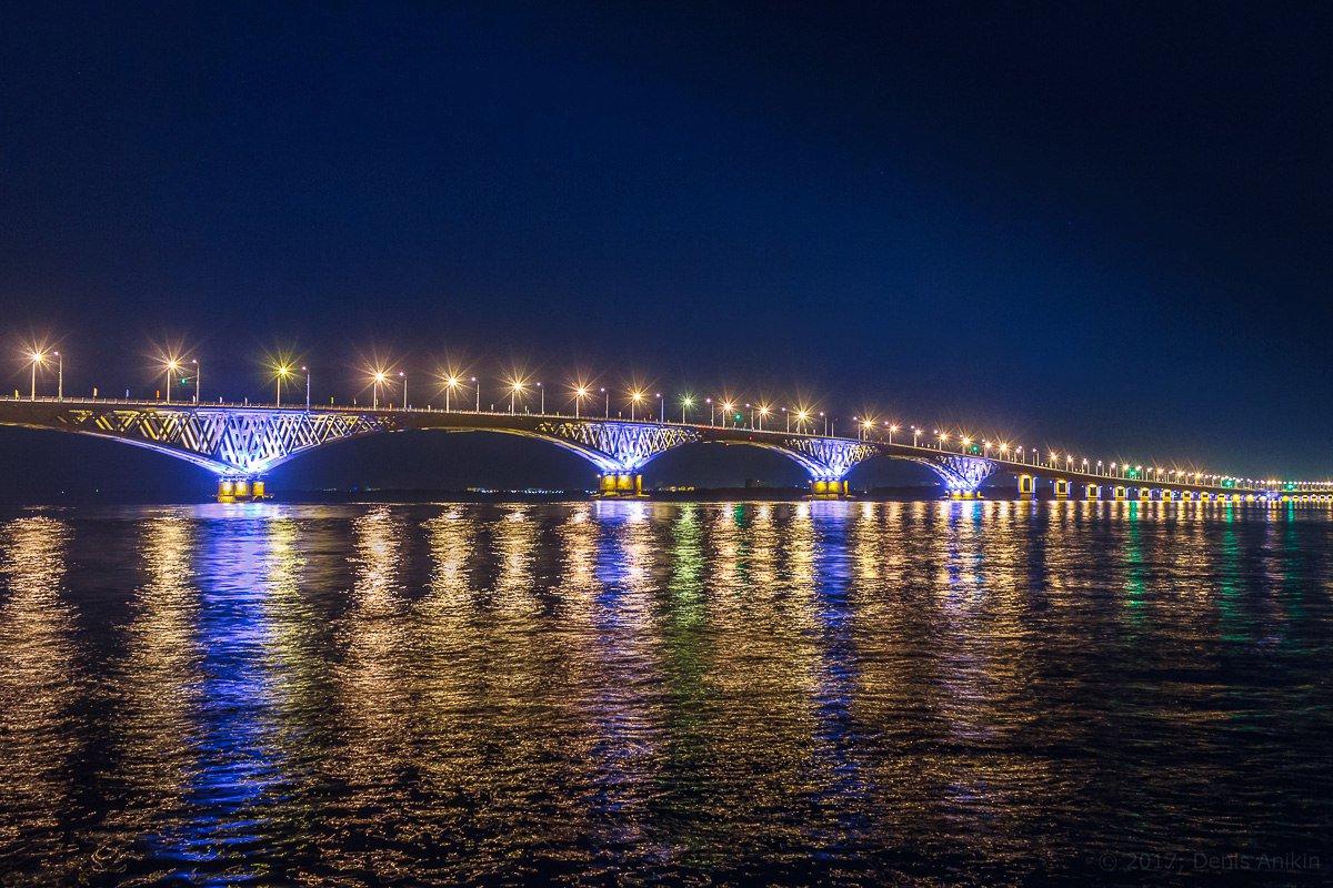 фото подсветки Саратовского моста