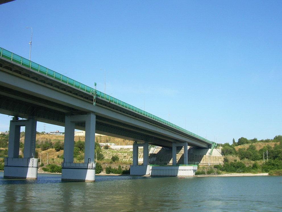 вид на Аксайский мост из воды фотография