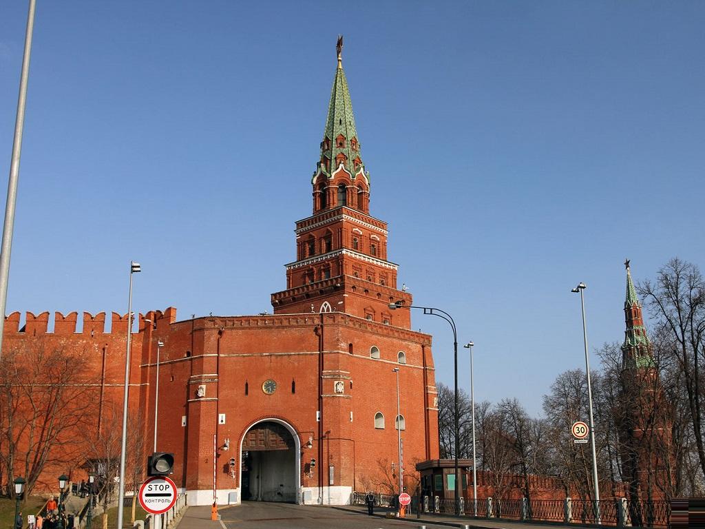 фото Боровицкой башни Кремля