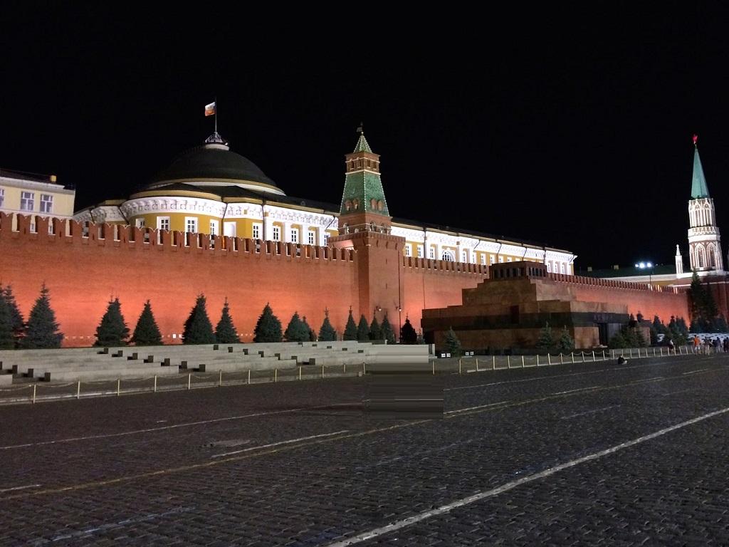 фото Сенатской башни ночью