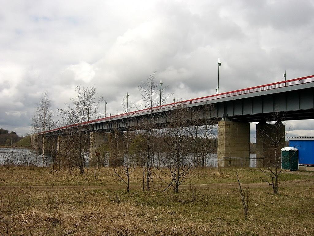 вид на Ладожский мост фотография