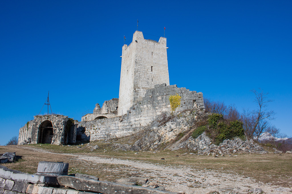 фото башни Анакопийской крепости