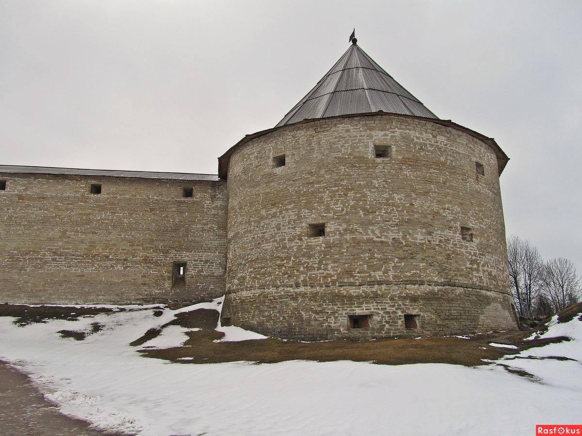 фото Климентовской башни Староладожской крепости